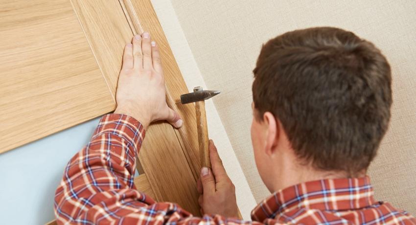 Наличники на деревянные двери нюансы выбора и особенности монтажа
