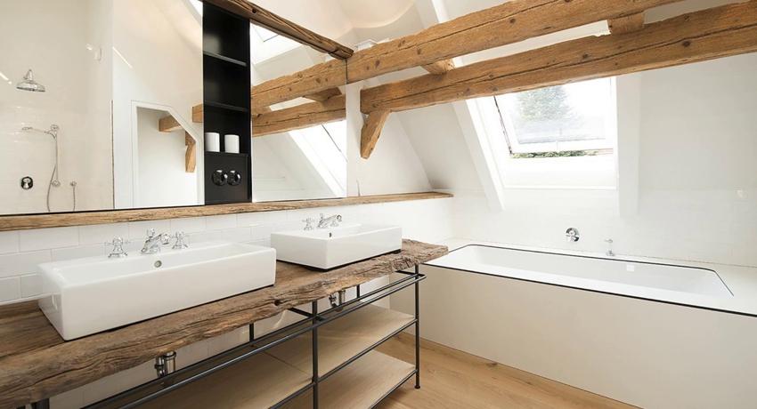 Деревянная полка в ванную олицетворение неподдельной красоты и изысканности