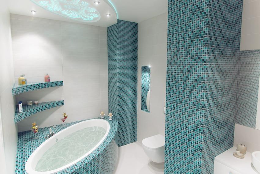 Изогнутые угловые полки в ванной комнате