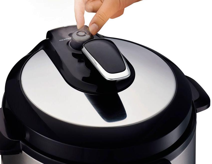 Мультиварка-скороварка готовит еду под давлением, что значительно ускоряет процесс приготовления